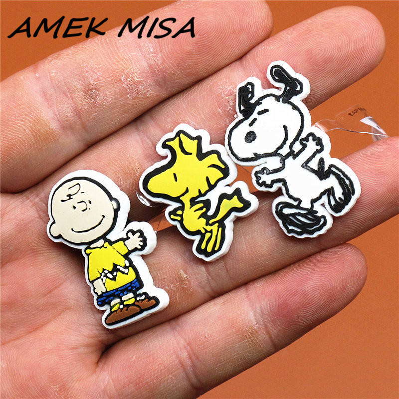 High Imitation 1pc PVC Peanut Cartoon Shoe Charms Cute Hound Shoe Accessories Shoe Buckle Decorations Fit Croc JIBZ Kids X-mas