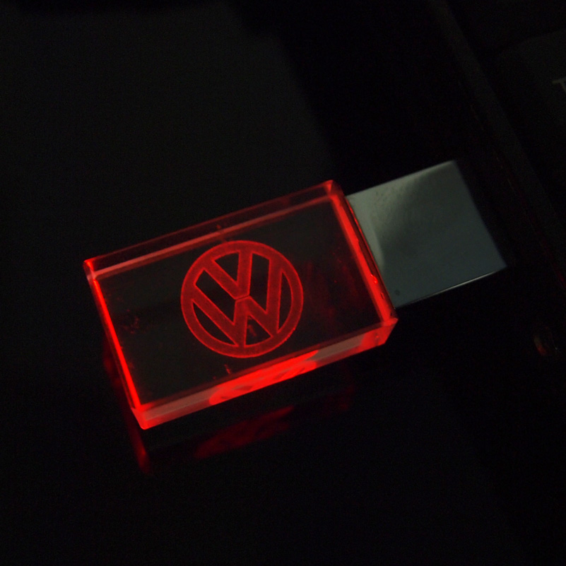 Aanpassen Vw Auto Logo Fashion Crystal Usb Flash Drive Met Led Pendrive 2.0 4Gb 8Gb 16Gb 32gb Huwelijksgeschenken Pen Drives Cle Usb 2