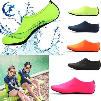Unisex skarpety do nurkowania boso sporty wodne buty do skóry Aqua Sock Snorkeling nadmorski basen antypoślizgowe skarpety antypoślizgowe buty do jogi tanie i dobre opinie Nylon HW0162 Dla dorosłych Diving Socks 2XS S M L XL XXL Rubber Green Black Lakc Blue Rose Red Orange Spandex Fabric
