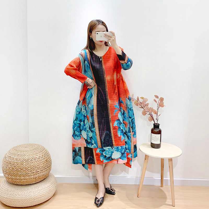 Oversized Dress For Women 45-75kg 2020 Spring New Printed Elastic Loose Miyake Pleated Round Neck Casual Plus Size Dresses Midi