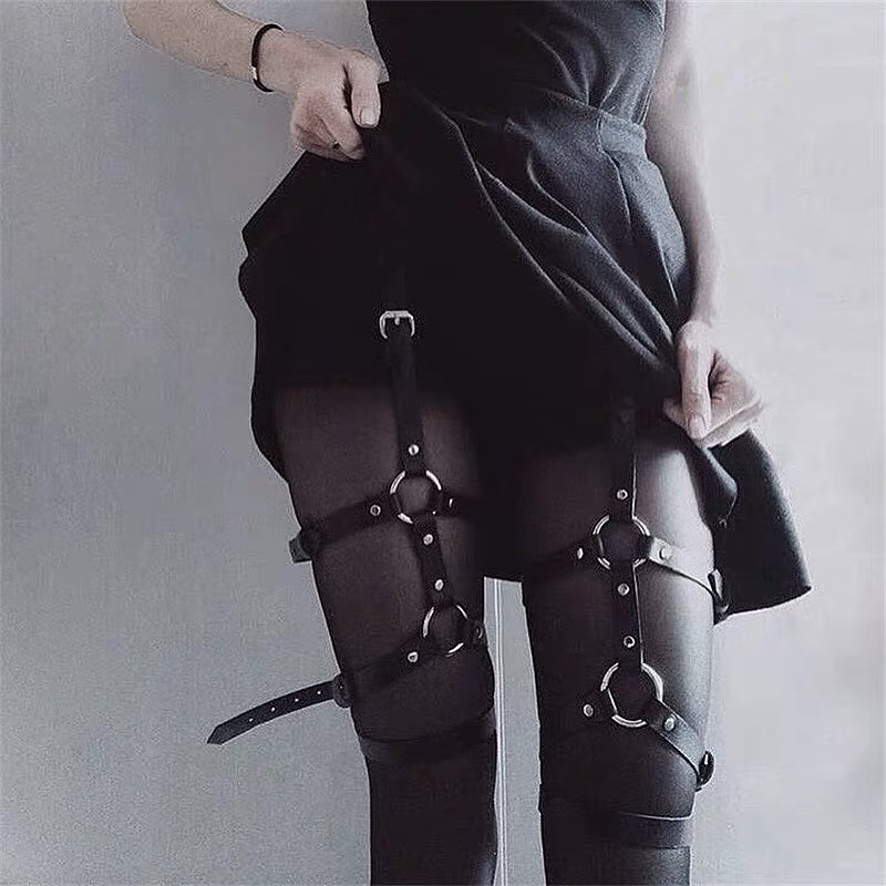 Punk Gothic Sexy Women Garter 2019 New Fashion Pu Leather Buckle Suspenders Harajuku Streetwear Grunge Style Black Garter Female