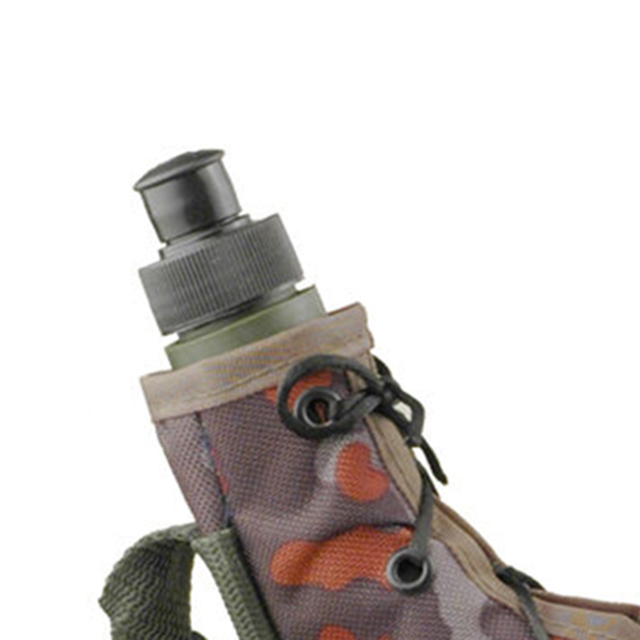 750ML outdoor portable sports bottle Camping mountaineering camouflage kettle With strap PE cold kettle Army fan outdoor kettle 6