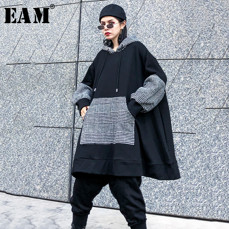 [EAM] Loose Fit Black Plaid Oversized Pocket Sweatshirt New Hooded Long Sleeve Women Big Size Fashion Spring Autumn 2020 1K338