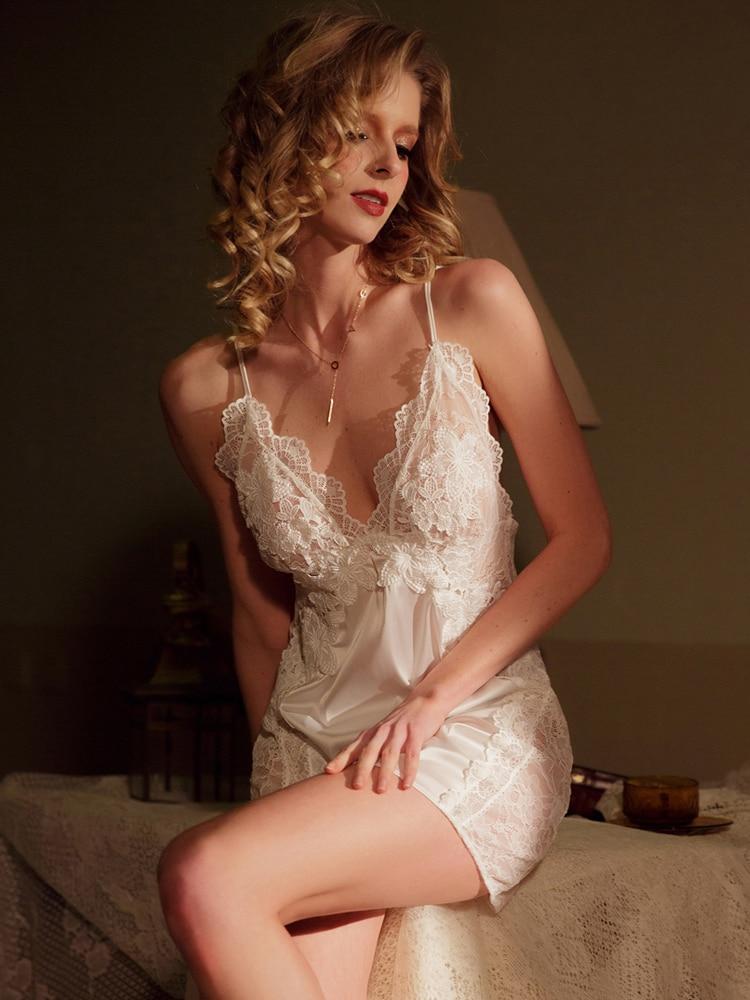 Hoyyezen new sexy open nude back lace silk pajamas suspender nightdress set sleepwear