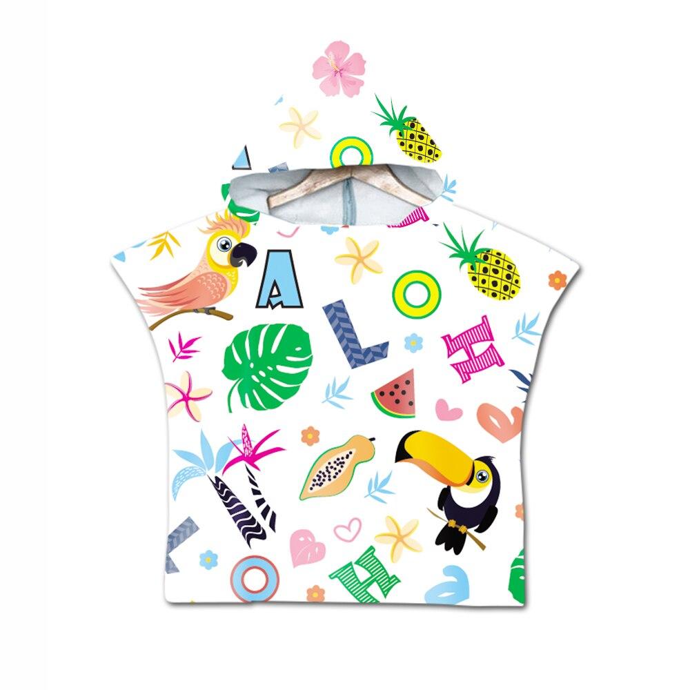 Unicórnio dos desenhos animados com capuz toalha