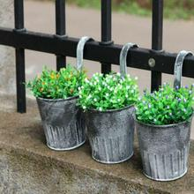 Cubo de flores de hojalata Vintage, flor de balcón con gancho, arreglo con flores artificiales, barril, maceta, decoración del jardín del hogar
