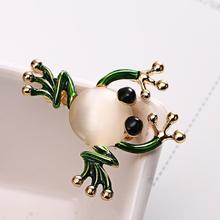 Creative Women Brooch Pin Frog Shaped Faux Pearl Enamel Brooch Pin Clothes Bag Decor Gift Woman's accesories trendy rhinestoned faux pearl brooch for women