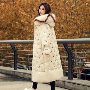 Image 3 - 100% piume danatra bianca giacca femminile modelli di esplosione di inverno di volpe naturale grande collo di pelliccia lungo tratto di spessore donna down jacket