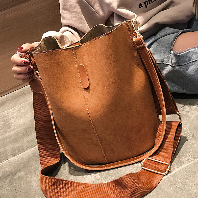Messenger bag Women Bucket Shoulder Bag large capacity vintage Matte PU Leather lady handbag Luxury Designer bolsos mujer Black 1