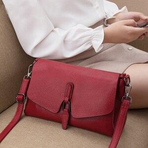 Image 2 - Bolsa de couro legítimo pendurado, bolsa feminina modelo carteiro com aba