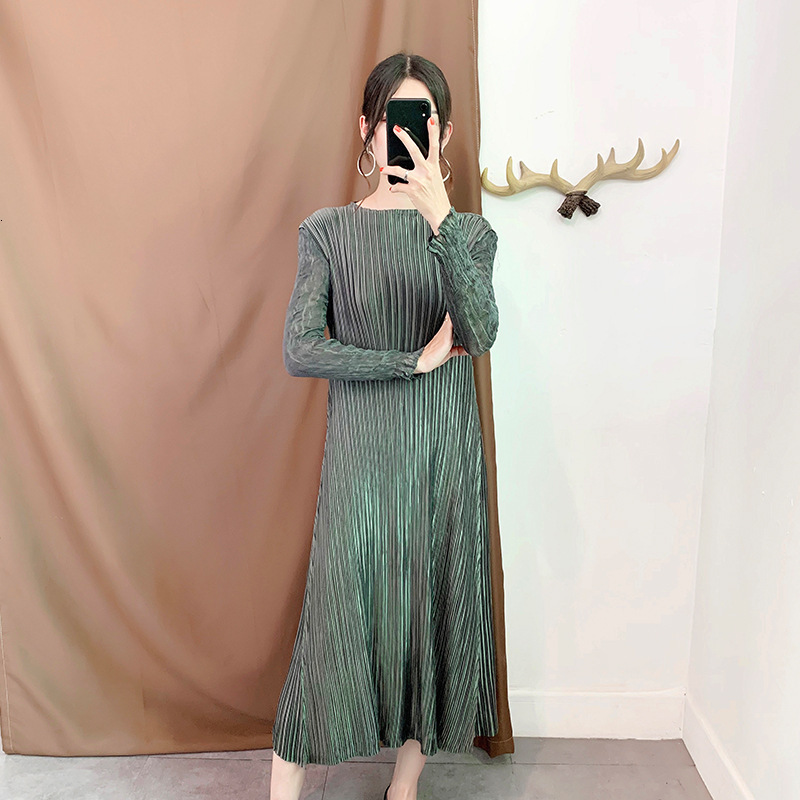 [LANMREM] 2020 Autumn And Winter New Products Fashion Round Neck Pleated Large Size Loose Bottoming Clothes PA704