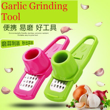 Portable Garlic Presses Plastic Ginger Grinding Tool Grater Planer Kitchen Tools Gadgets Home Accessories