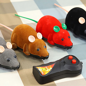 Image 2 - Mouse Toys Wireless RC Mice Cat Toys Remote Control False Mouse Novelty RC Cat Funny Playing Mouse Toys For Cats