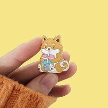 Kabarcık çay köpek emaye pimleri karikatür Akita köpek Boba süt çaylı içecek gıda takı broş hayvan severler rozetleri yaka iğneler