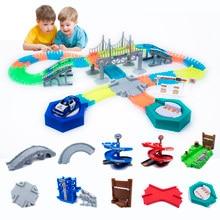 Pista de corrida brilho mágico, faça você mesmo acessórios universais com rampa curva ponte encruzilhada trilho, carro de brinquedo de corrida para presentes de crianças