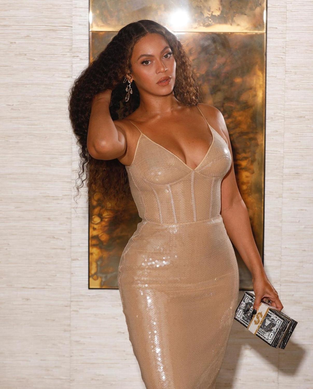 Amazing Vestidos Long Carf Gold Dress V Neck Sequined 2020 Babatique New Fashion Style Party Dresses