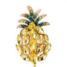 2019 New Korean Trendy Simple Cute Pineapple Rhinestone Brooch Pin Women Girl Coat Fruit Corsage Jewelry Accessories Wholesale