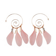 Sansummer New Hot Fashion Big Round Leaves Pink Feathers Boho Feautiful Statement Elegant Trendy Earrings For Women Jewelry