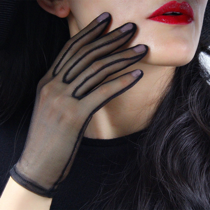 Black Silk Short Gloves Women Summer Lace Mesh Gauze Ultra Thin Vintage Elegant Women Opera Gloves Transparent Party Glove