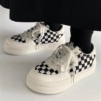 Trampki damskie sportowe buty Plaid tenisowe buty damskie na platformie Kawaii buty Vintage Vulcanize Fashion 2021 brezentowych butów tanie i dobre opinie QWEEK Na płótnie CN (pochodzenie) Szycia W kratkę Dla dorosłych Fabric Wiosna jesień Med (3 cm-5 cm) Lace-up Pasuje prawda na wymiar weź swój normalny rozmiar