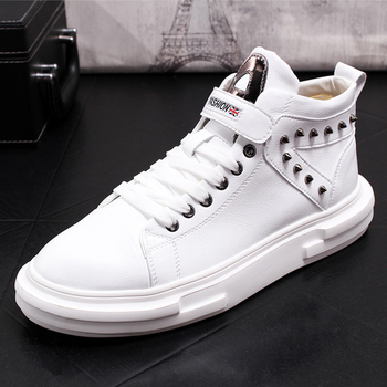 Men Casual Shoes Rivet Shoes Fashion Breathable Slip On Men Sneakers Spring Autumn Casual Thick Bottom Men Shoes Men Loafers