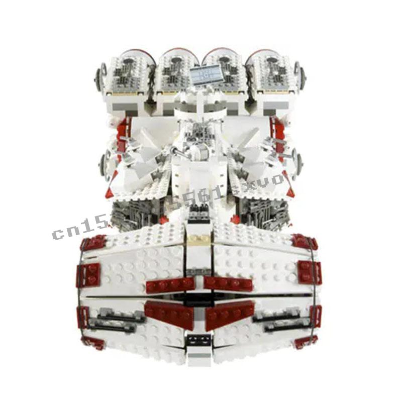 05046 Star Fighter Series Tantive IV Rebel Blockade Runner Building Blocks 1748pcs Bricks Toys Sets Compatible Star Wars 10019 1