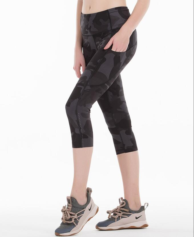 2020 Sports Capris Gym Leggings Super Quality Stretch Fabric camo black wine red capris leggings 5