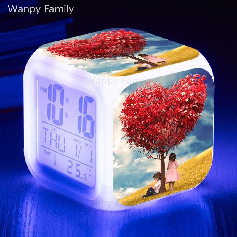 사랑 나무 LED 알람 시계 7 색상 변경 빛나는 디지털 알람 시계 아이 선물 다기능 터치 감지 플래시 알람 시계