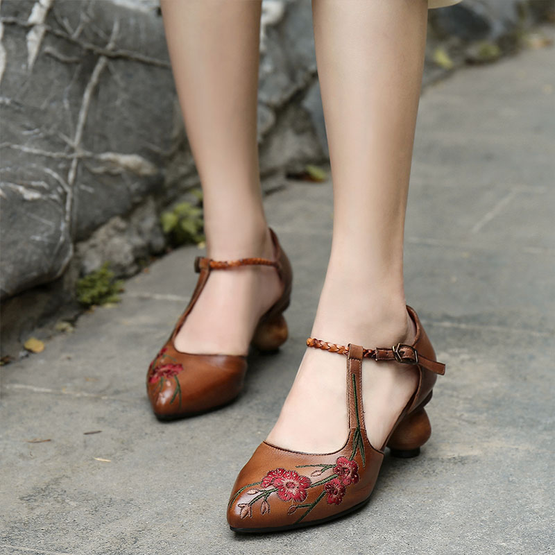 Female Sandals Mid-Heel Summer Fashion Wild Embroider VALLU Fragrance-Style Pointed Small