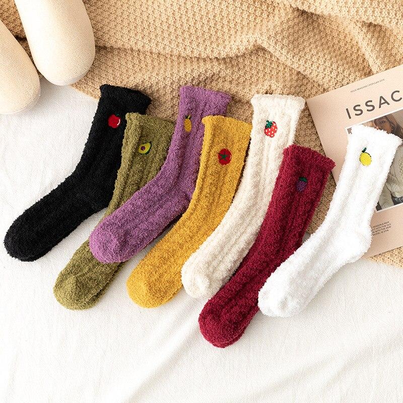 Kawaii – chaussettes duveteuses pour femmes, épaisses, avec fruits chauds, hiver, 1 paire/pack, vente en gros, livraison directe