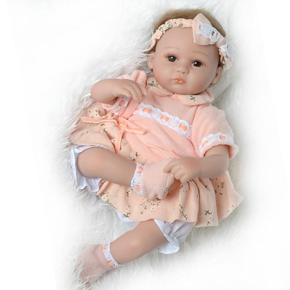Hot Selling 50Cm Full Siliconen Zachte Lichaam Meisje Jongen Reborn Baby Pop Speelgoed Zoals Alive Prinses Verjaardagscadeau Mode aanwezig Playmat