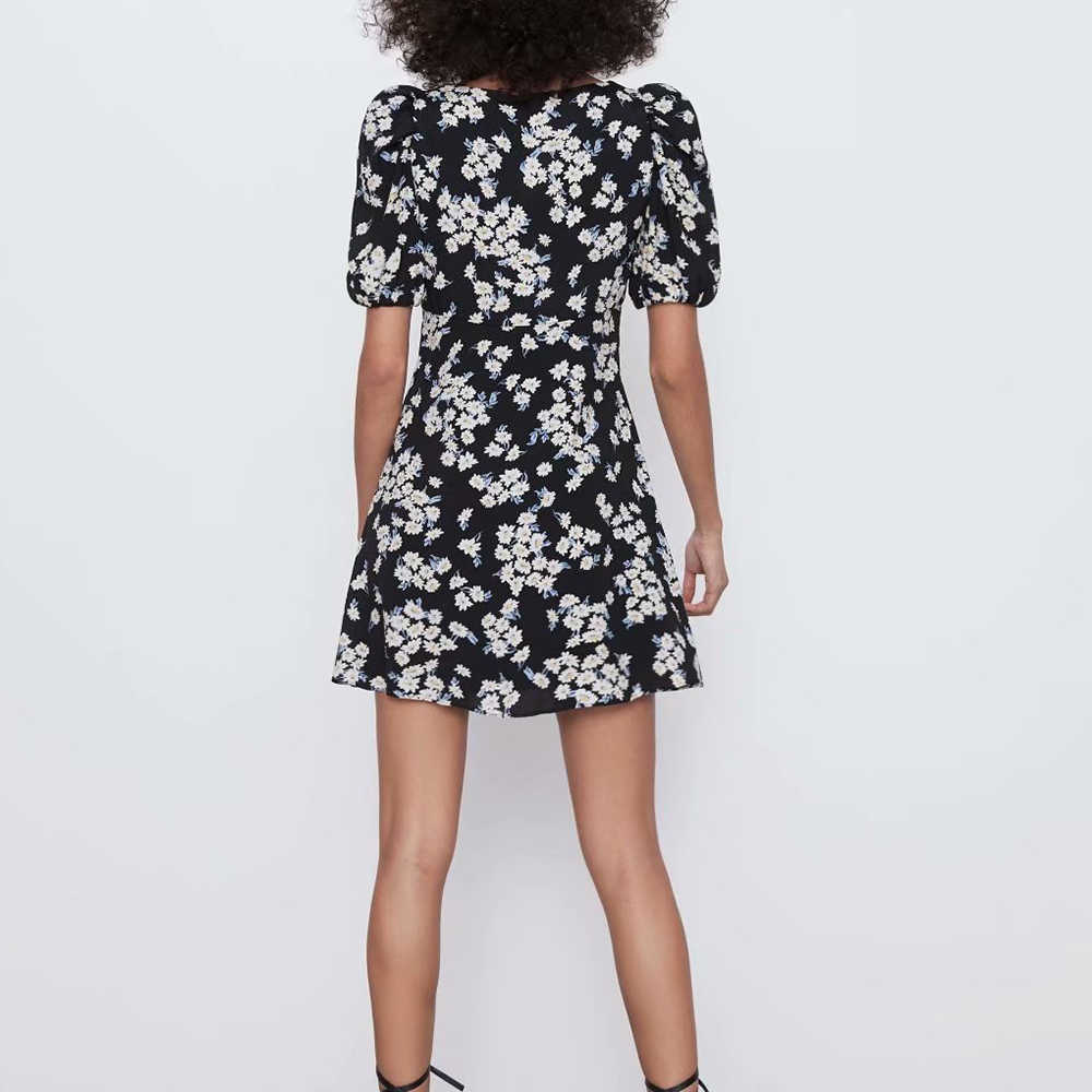 2020 新夏の春の女性黒花柄半袖 v ネック膝上ドレスカジュアル女性の女性の服