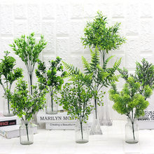 7 Tenedor de plantas artificiales, hierba de eucalipto, hojas verdes de plástico, planta de flores falsas, decoración para el hogar y bodas, adornos para el suelo