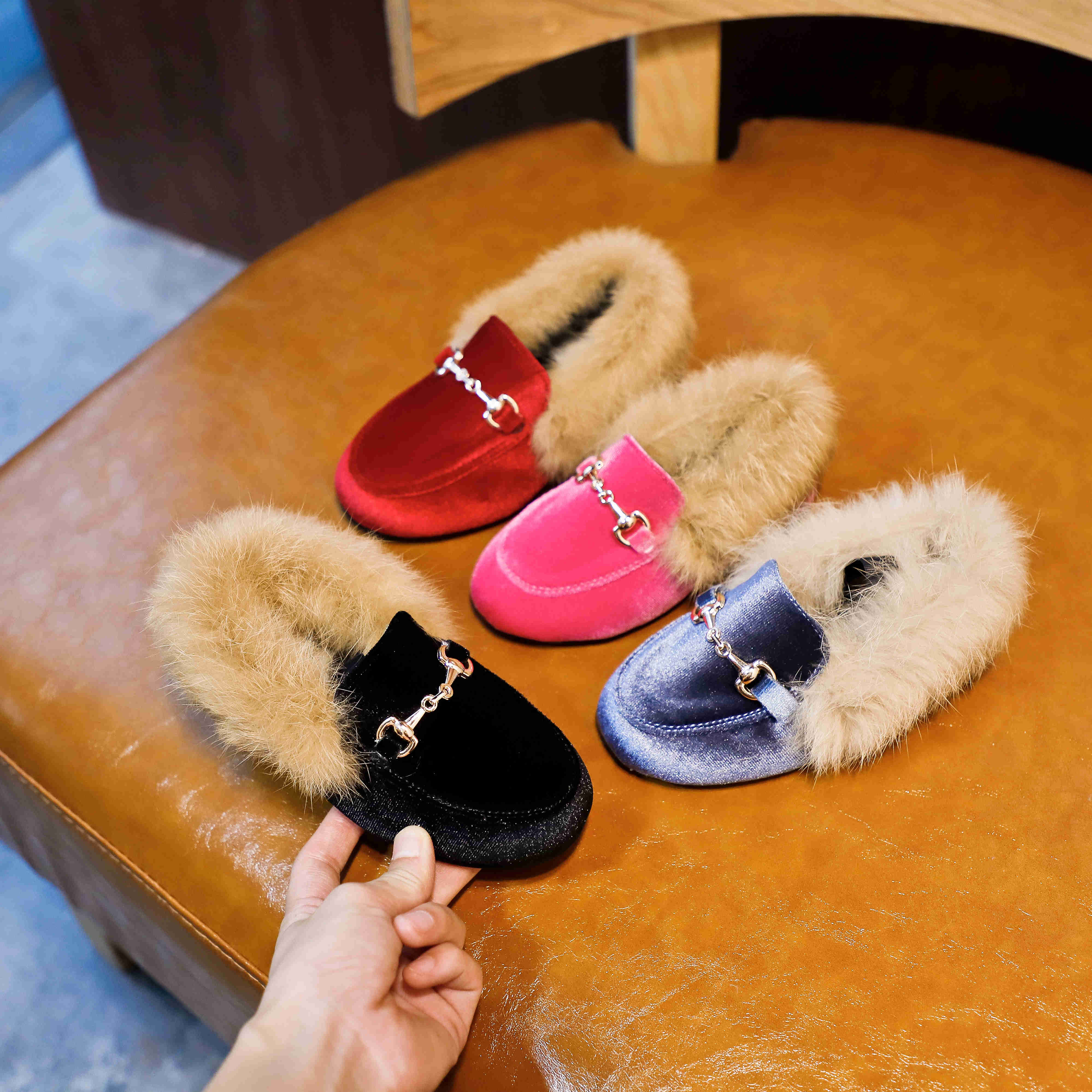 kids-shoes-winter-warm-boys-girls-fashion-shoe-black-red-fur-flat-slip-on-non-slip-kids-shoes-quality-leather-new-hot-shoes