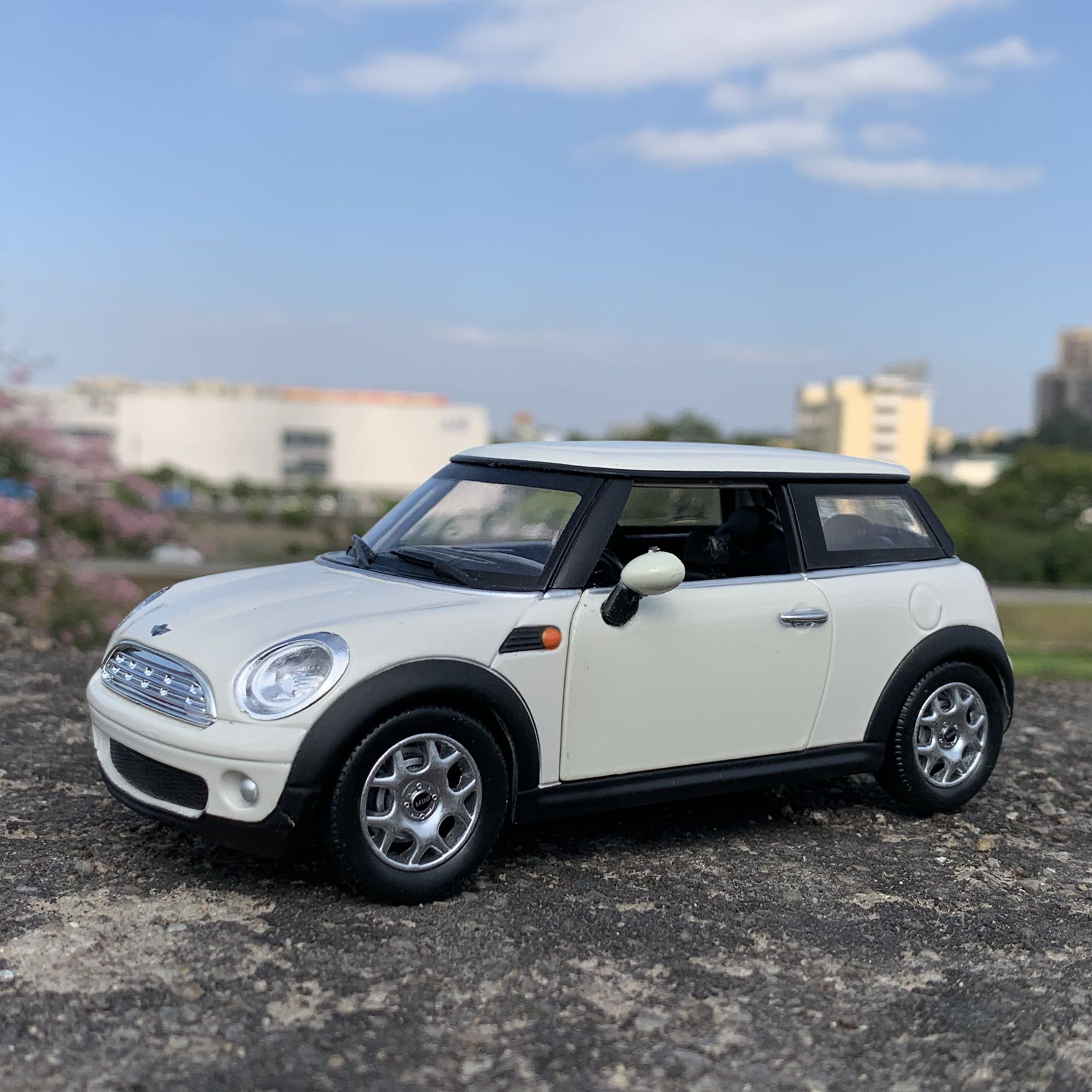 Newray 1/24 Scale Classic Car Model Mini Cooper Diecast Metal Car Model Toy For Collection,Gift,Kids