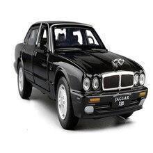 1:32 skala klasyczna zabawka ze stopu metalowy samochód Model odlewu dźwięk i światło zabawki napędzane typu naciągnij i puść dla chłopca urodziny prezenty Jaguar XJ6 dzieci zabawki