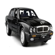 Масштаб 1:32, Классический игрушечный автомобиль из сплава, металлическая литая модель, игрушки со звуком светильник, тянущиеся назад, для телефона, Ягуар XJ6, детские игрушки