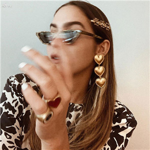 AOMU-Korea-New-Punk-Earrings-For-Women-Metal-Gold-Color-Heart-Shape-Statement-Dangle-Drop-Earrings