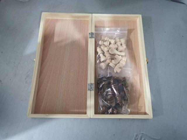 Jeu d'échecs magnétique pliable en bois massif pour débutants 29cm x 29cm 5