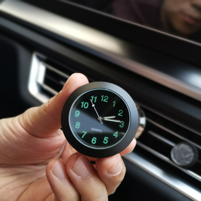 Luminous Auto Gauge Clock Mini Car Air Vent Quartz Clock with clip Auto air outlet Watch Car styling for Audi BMW Ford