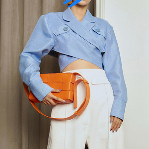 Image 2 - TWOTWINSTYLE Asymmetrische Slanke vrouwen Blouses Revers Kraag Lange Mouwen Casual Short Shirts Tops Vrouwelijke Mode Kleding 2019 Nieuwe