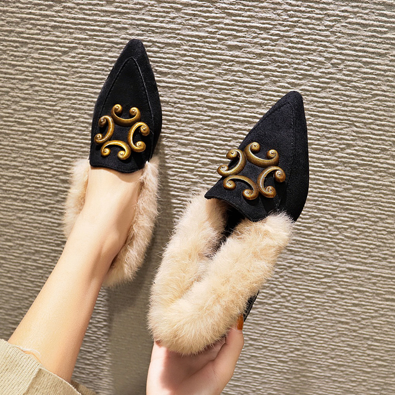 Mao Mao shoes women 2018 new autumn net red student fairy Doudou shoes Korean version of Joker low heel pointed boots 82