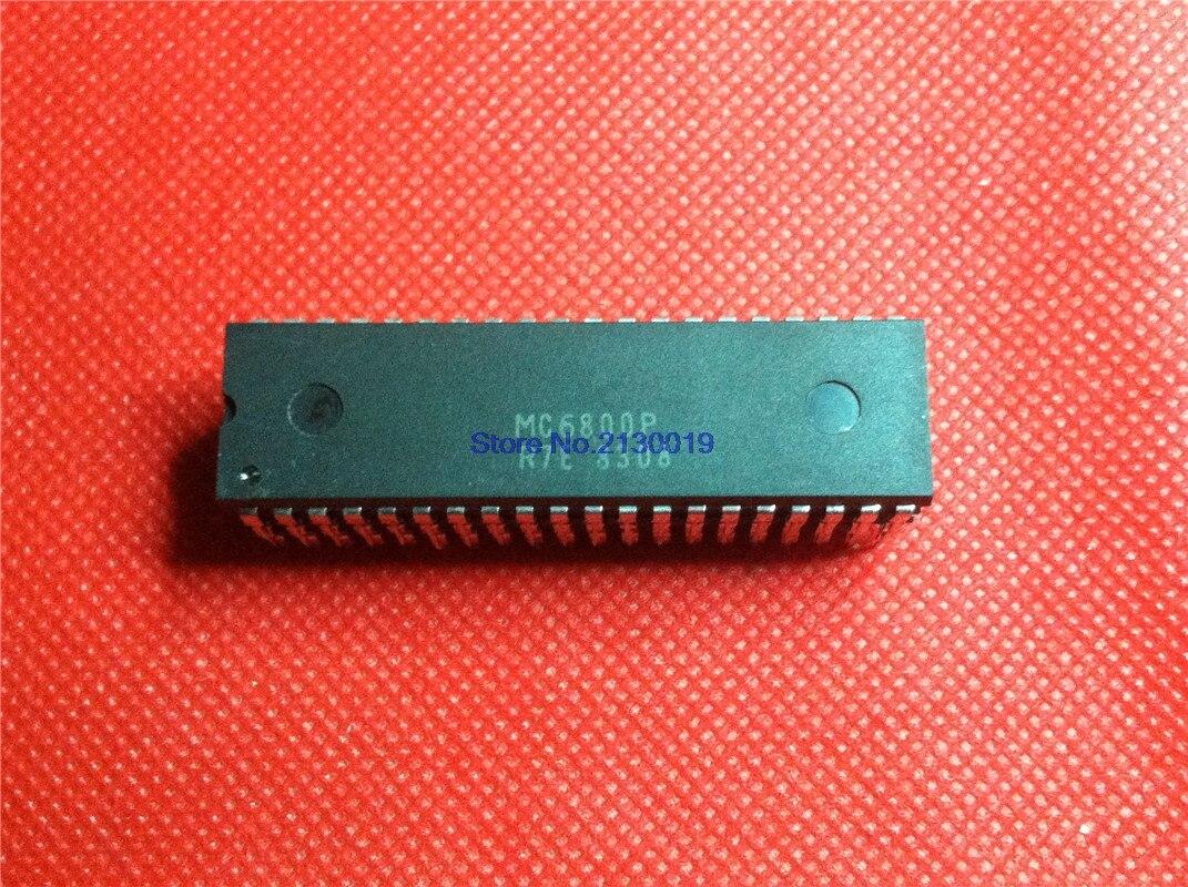 1pcs/lot MC6800P MC68B00P HD6800P DIP-40 In Stock