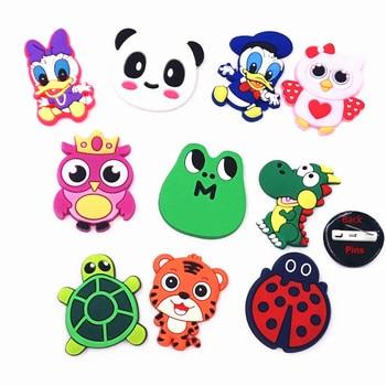 10 Uds al por mayor de la mezcla de dibujos animados de animales broches con icono Panda pato de Donald placas para accesorios bolsa de ropa sombrero regalos de los niños
