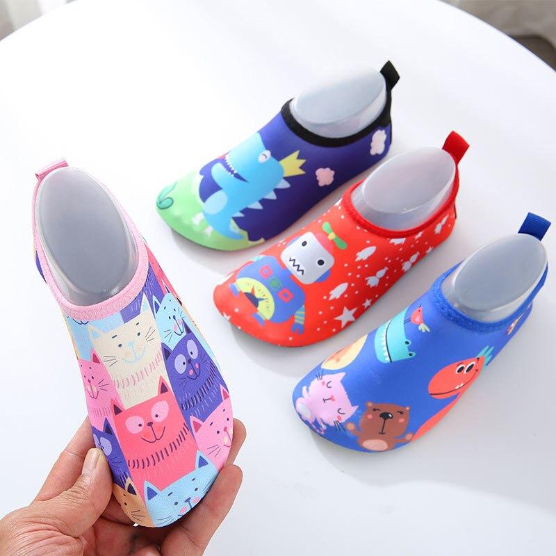 Детская пляжная обувь; Детские домашние носки для плавания с мягкой подошвой для мальчиков и девочек; нескользящие пляжные тапочки для