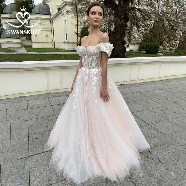 SWANSKIRT מתוקה 3D פרחי חתונה שמלת רומנטי אפליקציות אונליין אשליה נסיכת Vestido דה novia SA02 כלה שמלה
