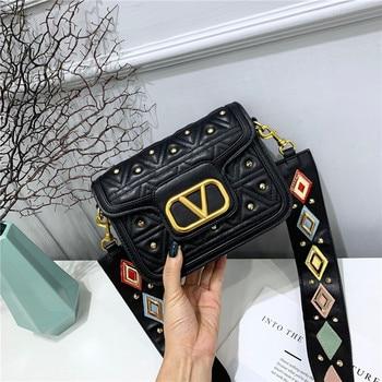 Fashion Personality Wide Shoulder Strap Rivet Bag 2020 New Women's Bag Diagonal Small Bag Mini Shoulder Wild Small Square Bags