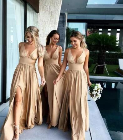 Champagne Elegant A-line Bridesmaid Dresses With Deep V-Neck Sleeveless Slit Wedding Party Gowns Floor Length Robe De Mariee