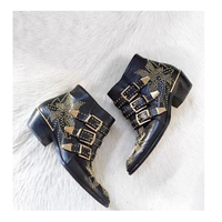 2020 Susanna Studded Leather Ankle Boots Women Round Toe Rivet Flower Martin Boots Women Luxury Velvet Boots Zapatos Mujer