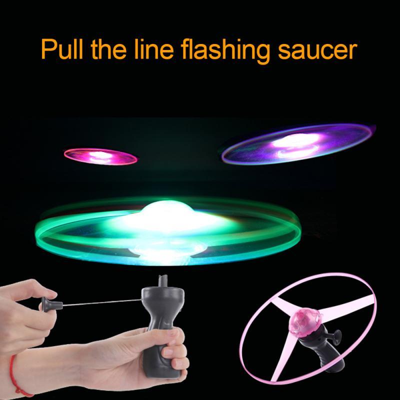 Platillo volador de juguete para exterior, LED brillante en la oscuridad, mango de alambre destellante, lanzador, tira de platillo volador, colorido regalo para niños| |   - AliExpress
